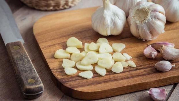 ilustrasi bawang putih untuk asi booster