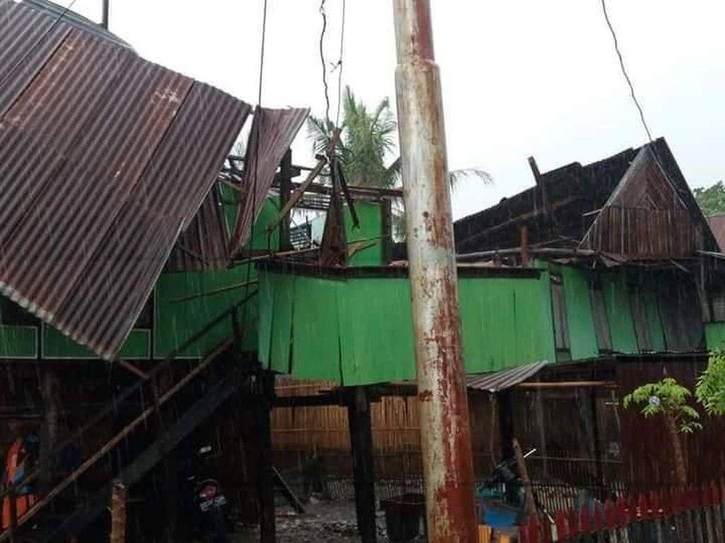 Puting Beliung Terjang Sidrap Sulsel, 12 Rumah Rusak