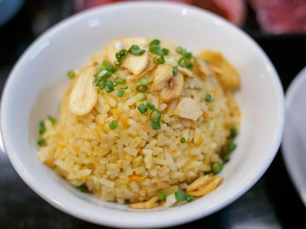 Yuk , Bikin Sinangag, Nasi Goreng Bawang Putih Filipina yang Sedap!