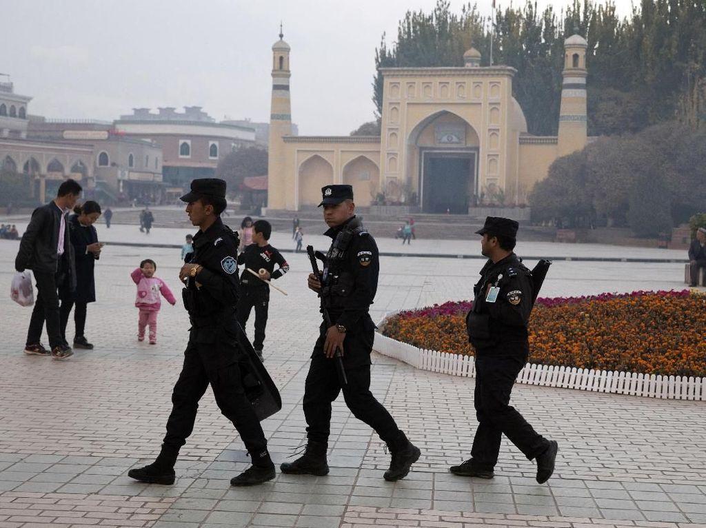 Kasus Virus Corona di Xinjiang Terus Melonjak