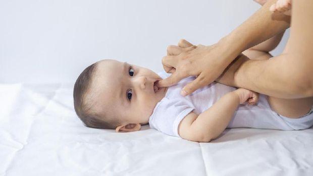 Ilustrasi sakit gigi bayi