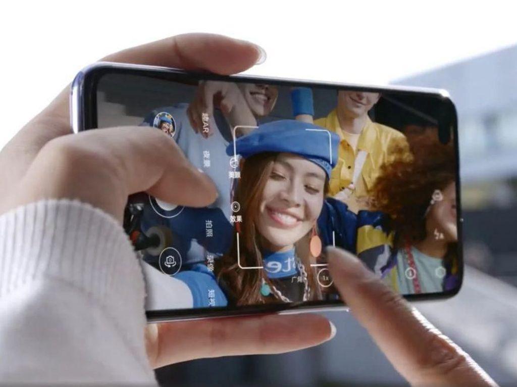 Huawei Nova 6 SE Tampil Mirip iPhone 11 Pro
