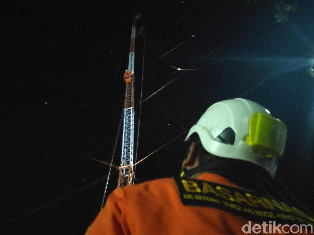 Pekerja Tower di Maros Sulsel Terlilit Tali, Terjebak di Menara 55 Meter