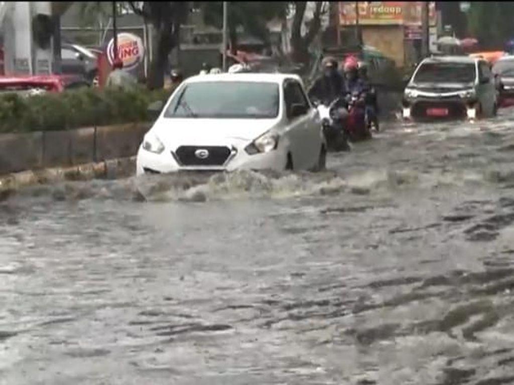 Hujan Angin, Jalan Penghubung Cimahi-Bandung Terendam Banjir