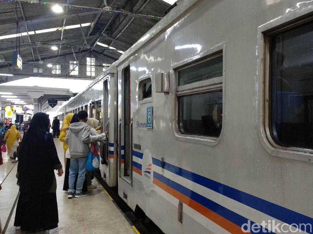 Hadapi Nataru, Daop II Bandung Siapkan 91 Perjalanan Kereta Api