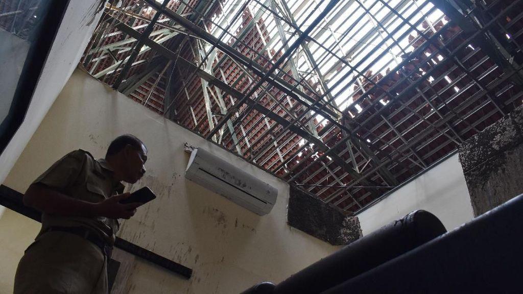 Dampak Kerusakan Akibat Angin Kencang yang Melanda Ngawi