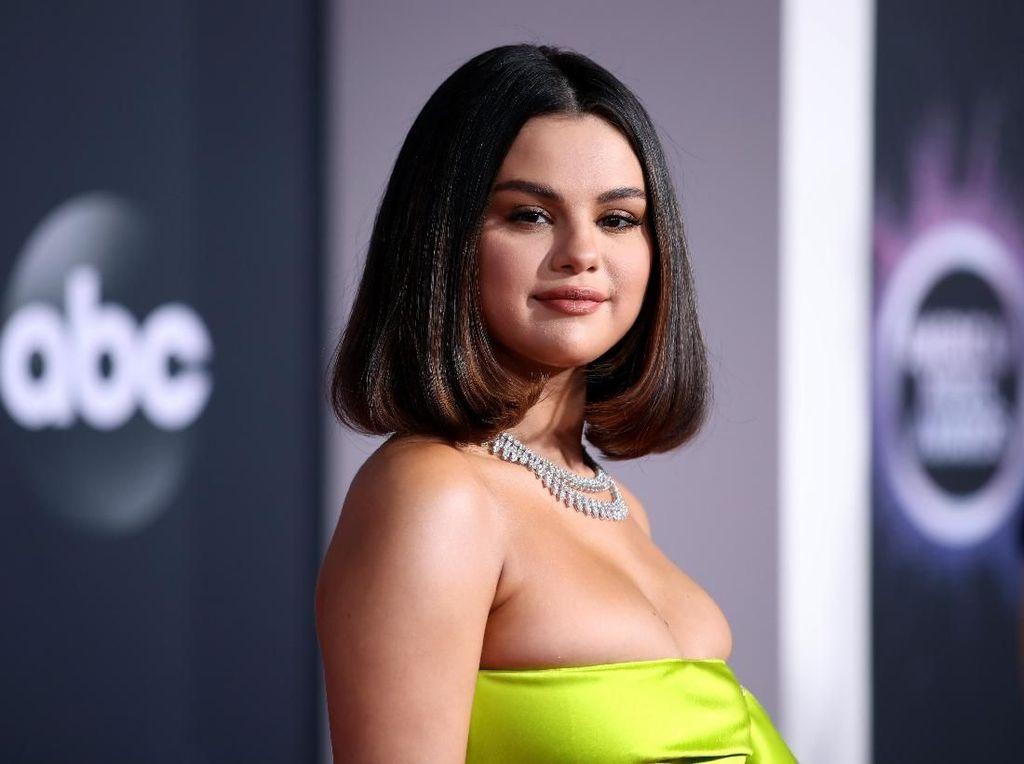 Selena Gomez Masih Cari Jodoh, Ini Tipe Pacar Idealnya