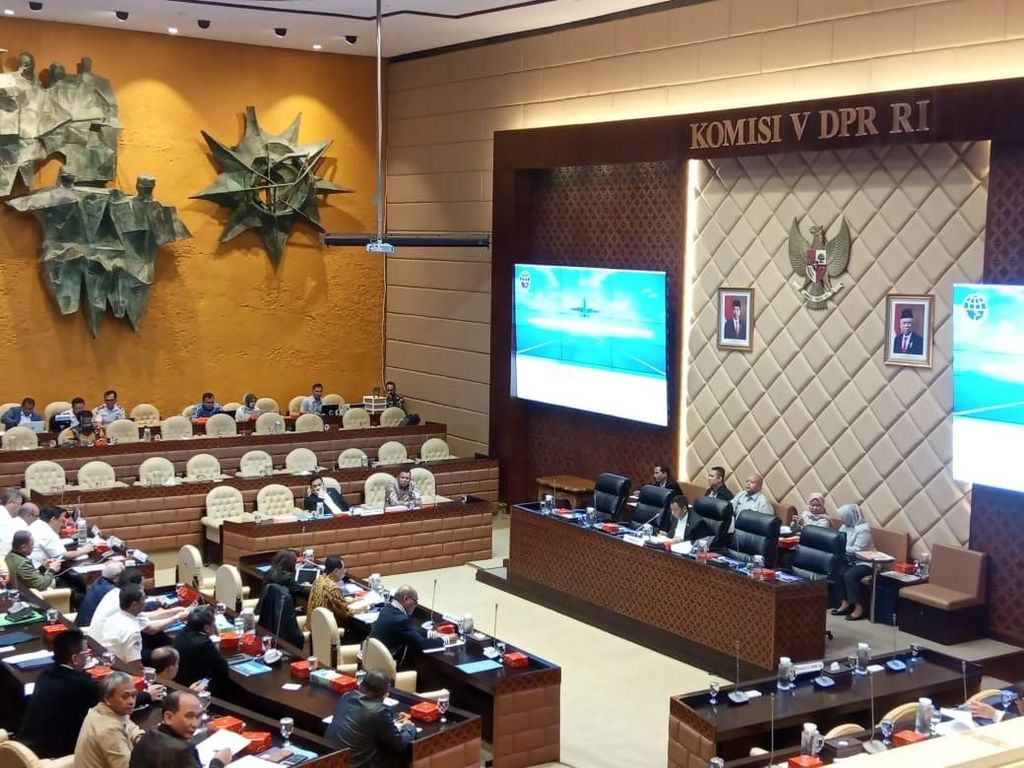 Komisi V DPR Minta KNKT-Menhub Perjuangkan Ganti Rugi Korban Lion Air