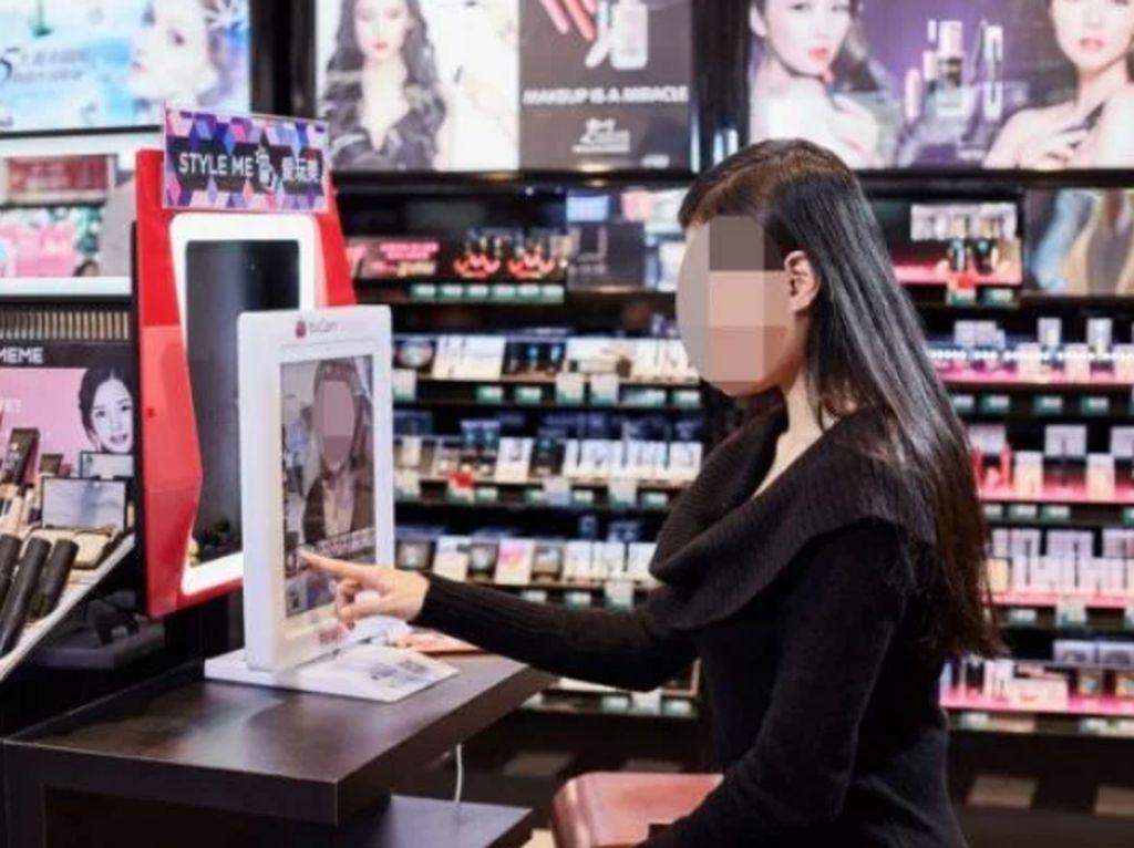 Warung Bakmi Bikin Ojol Senang hingga Wanita Tak Makan Demi Beli Kosmetik
