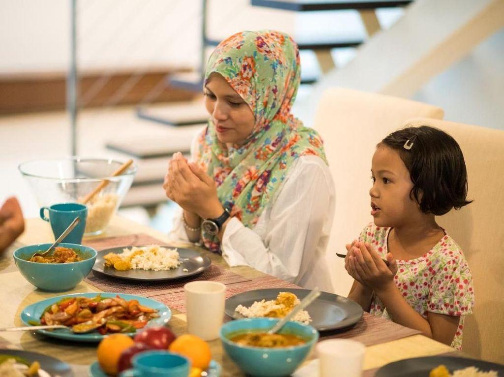 Doa Sesudah Makan dan Minum: Bacaan Arab, Latin, dan Artinya