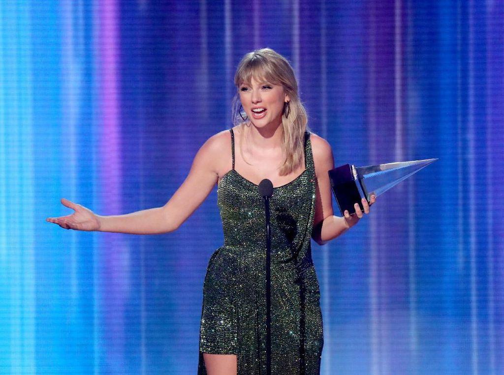 Singkirkan Ariana Grande, Taylor Swift Gugup Raih Piala AMAs 2019