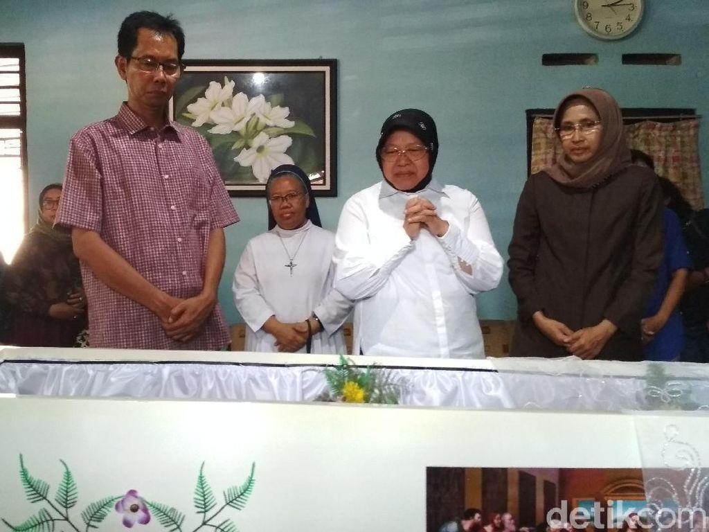 Ibunda Ketua DPRD Surabaya Tutup Usia, Risma Datang ke Rumah Duka