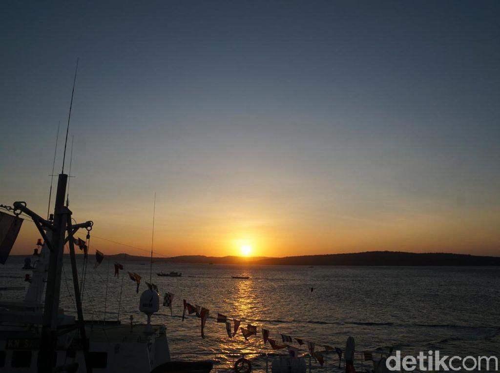 Potret Sunset Menawan di Kupang