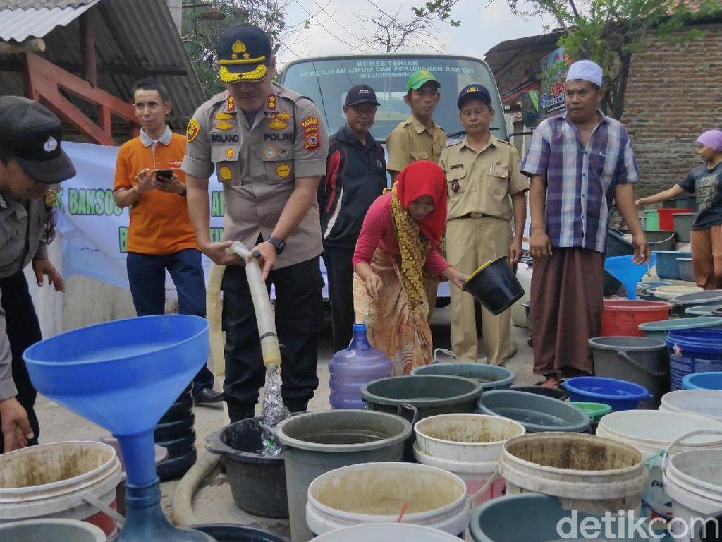 Kemarau Panjang, Warga Argasunya Cirebon Krisis Air Bersih