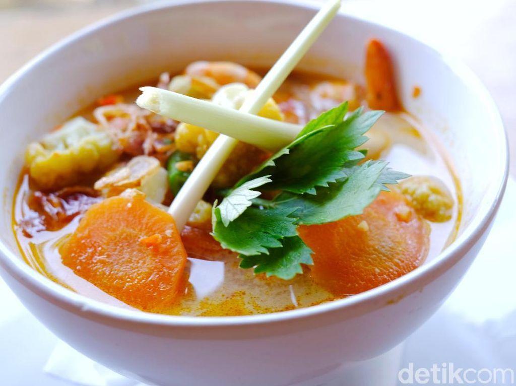 Caspla Bali : Asyiknya Makan Udang Pelalah di Pesisir Nusa Penida
