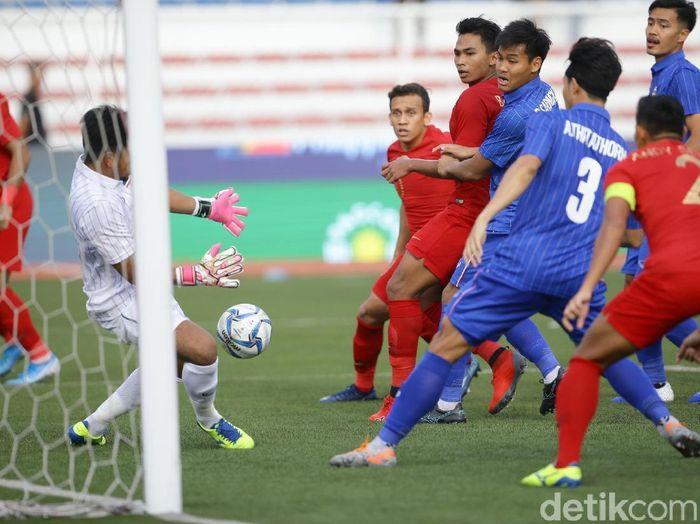 Egy Maulana Vikri membantu Indonesia menyudahi puasa kemenangan atas Thailand di SEA Games. (Foto: Grandyos Zafna/detikSport)