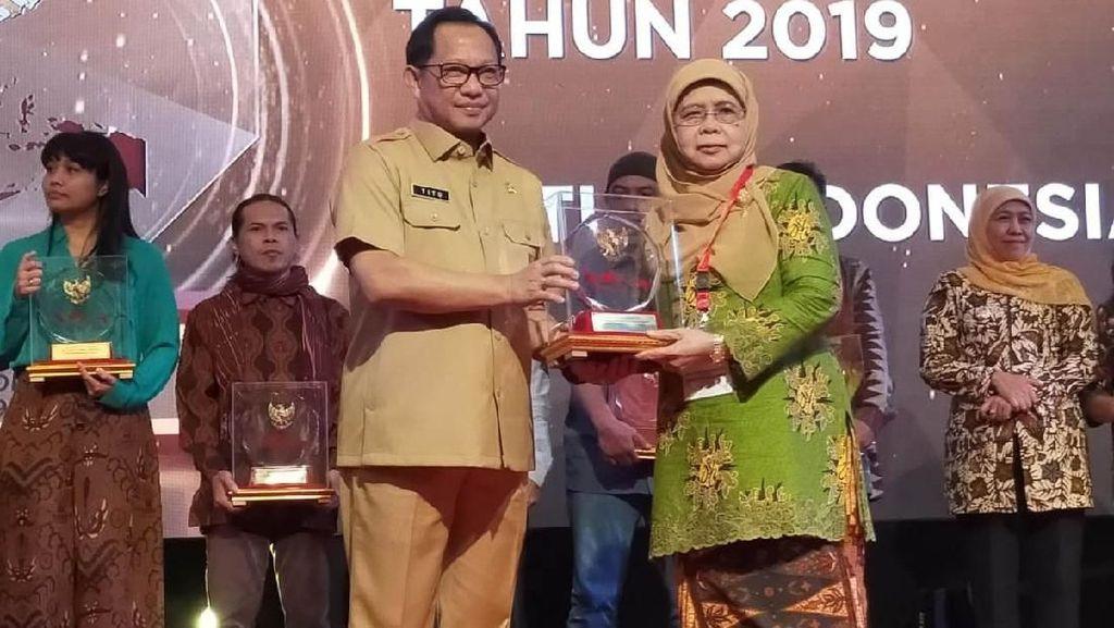 Kemendagri Beri Penghargaan Pada Ormas Berprestasi