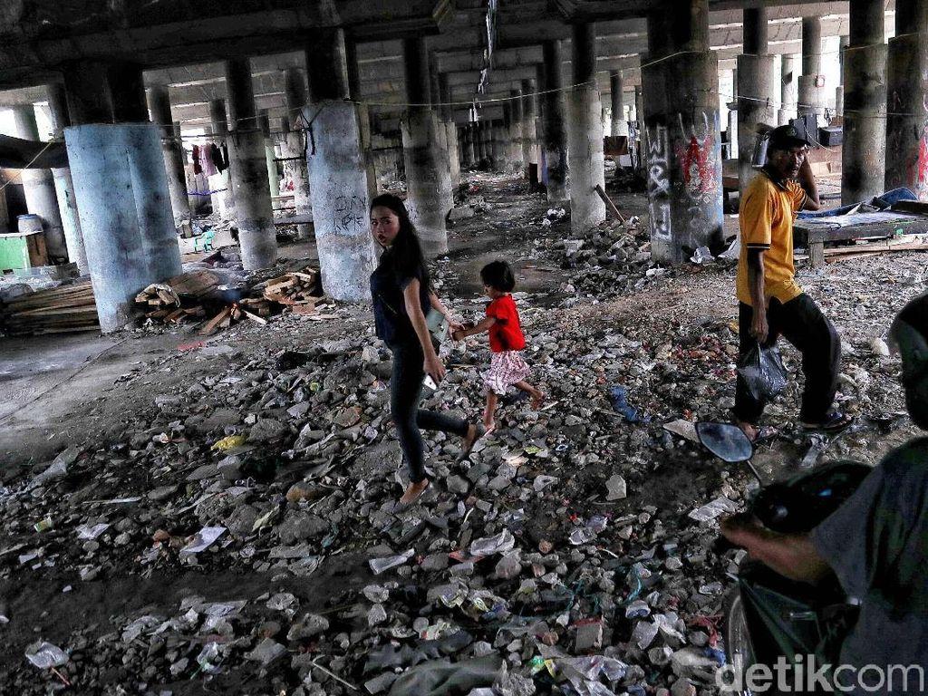 Badai PHK Merajalela, Angka Kemiskinan Siap Membludak
