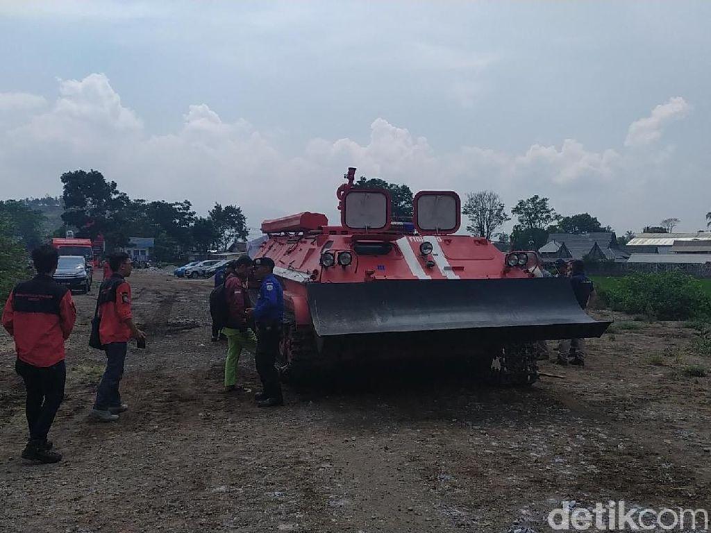 Pindad Bikin Tank Baja Khusus Kebakaran Lahan