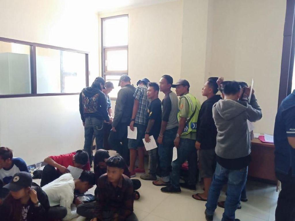Polda Jabar Amankan 44 Preman di Bandung