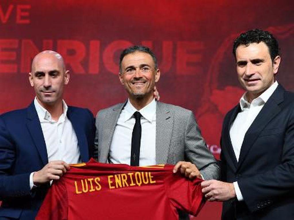 Luis Enrique Kok Pisah dengan Roberto Moreno di Timnas Spanyol?