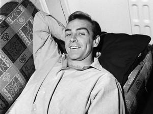 Sean Connery, Si James Bond yang Hampir Jadi Pemain Manchester United