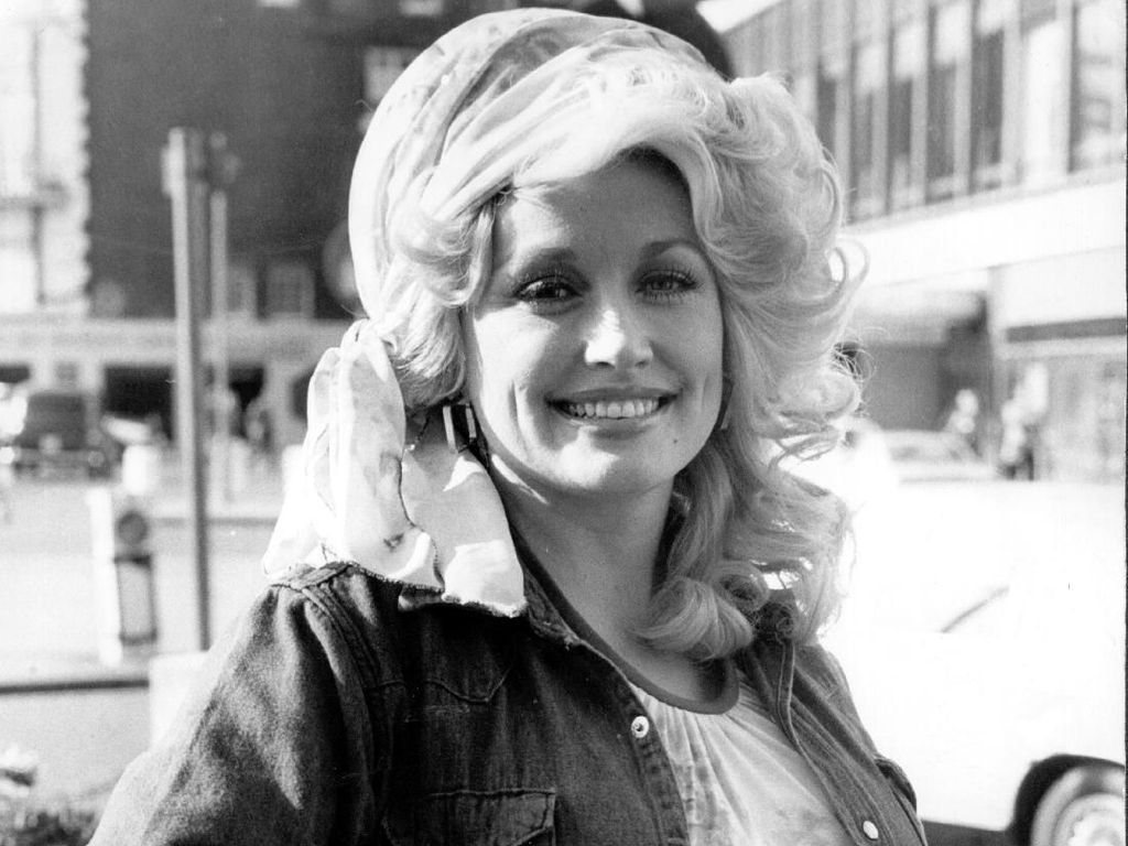 Dolly Parton Siap Telanjang untuk Majalah Playboy