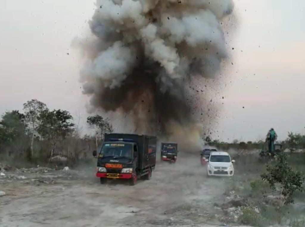 Pemusnahan Bahan Peledak Kedaluwarsa di Banjar Bikin Rusak Rumah Warga