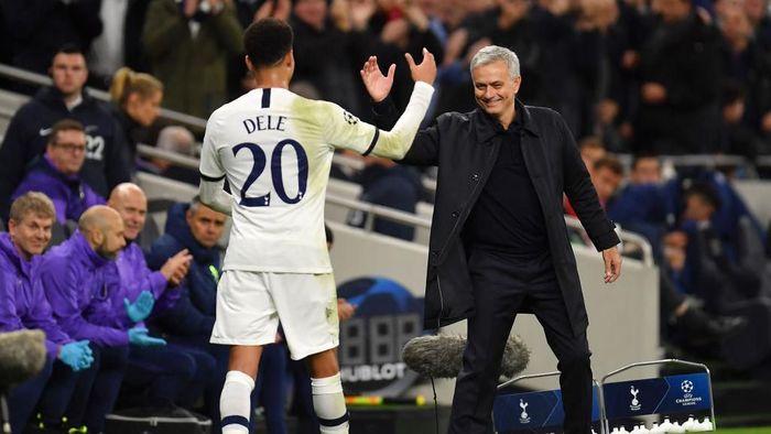 Pemain Tottenham Hotspur, Dele Alli, mengungkap ada peran kata-kata Jose Mourinho saat jeda dalam comeback atas Olympiakos. (Foto: Justin Setterfield/Getty Images)