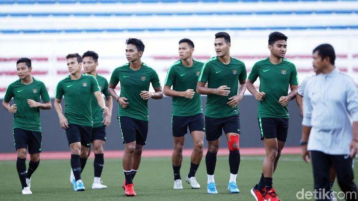 Timnas Indonesia U-22 diminta tak terlena dengan kemenangan atas Thailand sebab sudah ditunggu Singapura. (Grandyos Zafna/detikSport)