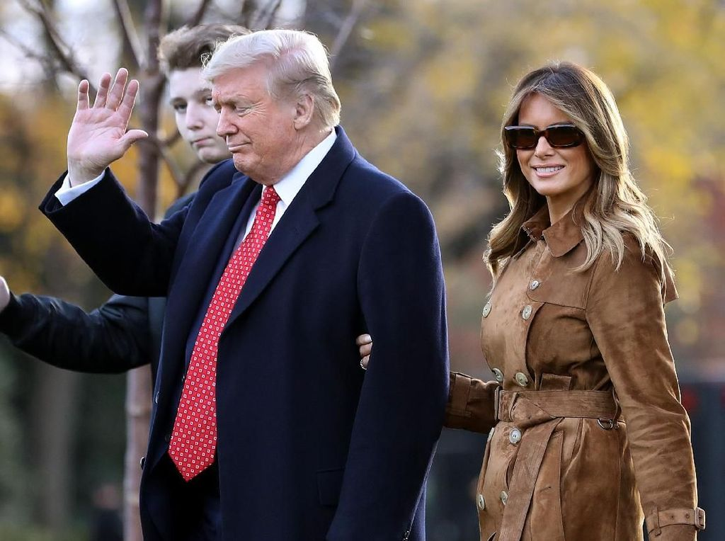 Donald Trump dan Melania Positif Corona, Junk Food Jadi Favorit Mereka