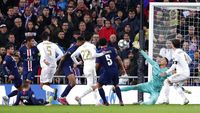Sengit! Tuntas 2-2, PSG Pastikan Juara Grup dan Madrid Lolos
