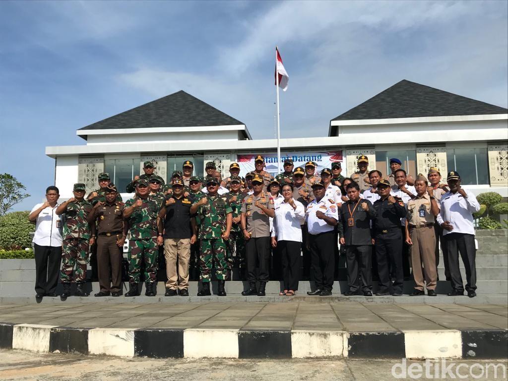 Tiba di Skouw Papua, Panglima TNI dan Kapolri Hadiri Acara Bakti Sosial