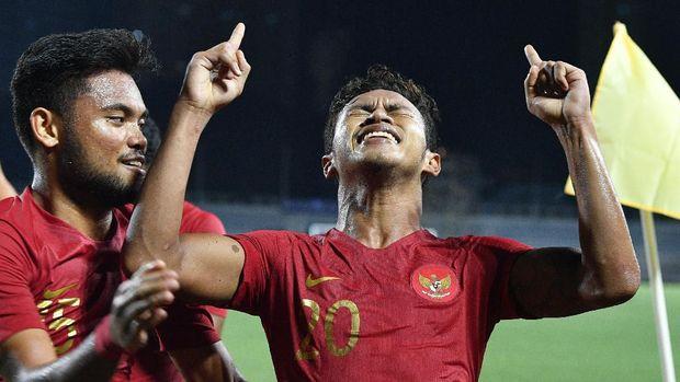 Kekalahan dari Vietnam tak melenyapkan peluang Indonesia untuk lolos dari babak penyisihan grup.