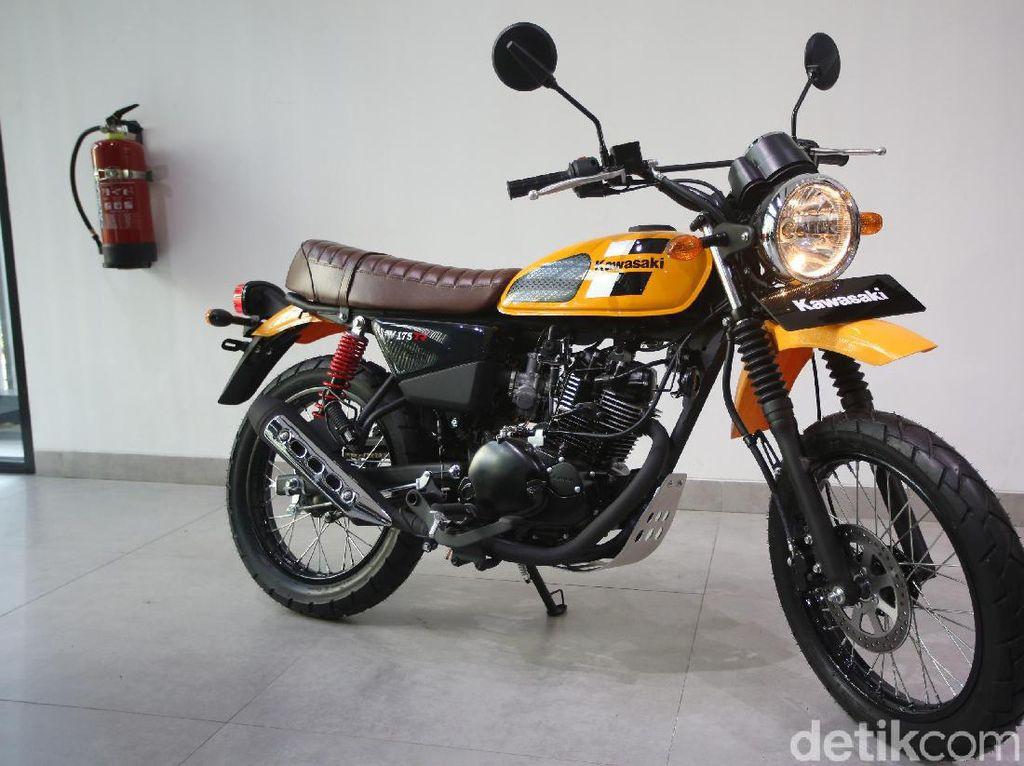 Seberapa Handal Kawasaki W175 TR di Aspal dan Tanah?