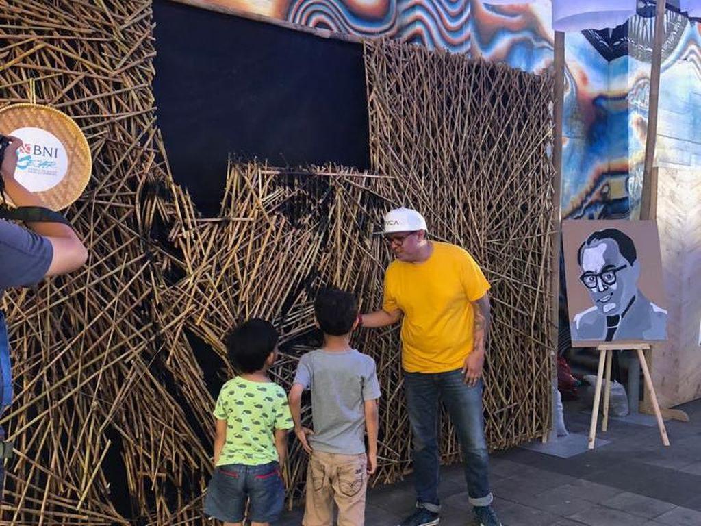 Instalasi Bambu Jenderal Sudirman Nus Salomo Dipajang di Dukuh Atas