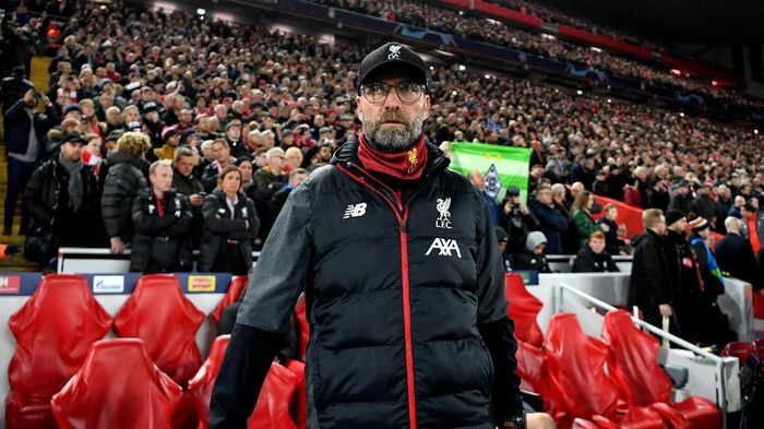 LIVERPOOL, ENGLAND - NOVEMBER 27: Jurgen Klopp, Manager of Liverpool looks on prior to the UEFA Champions League group E match between Liverpool FC and SSC Napoli at Anfield on November 27, 2019 in Liverpool, United Kingdom. (Photo by Michael Regan/Getty Images)