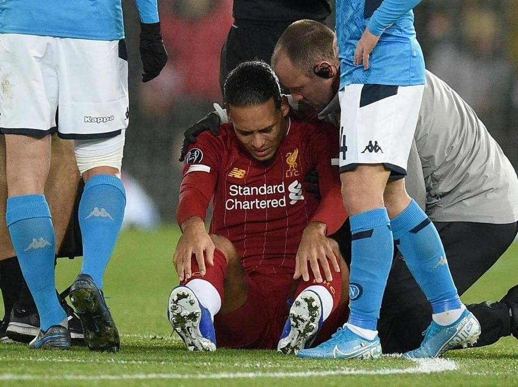 Liverpool Cuma Imbang, Van Dijk Kritik Wasit