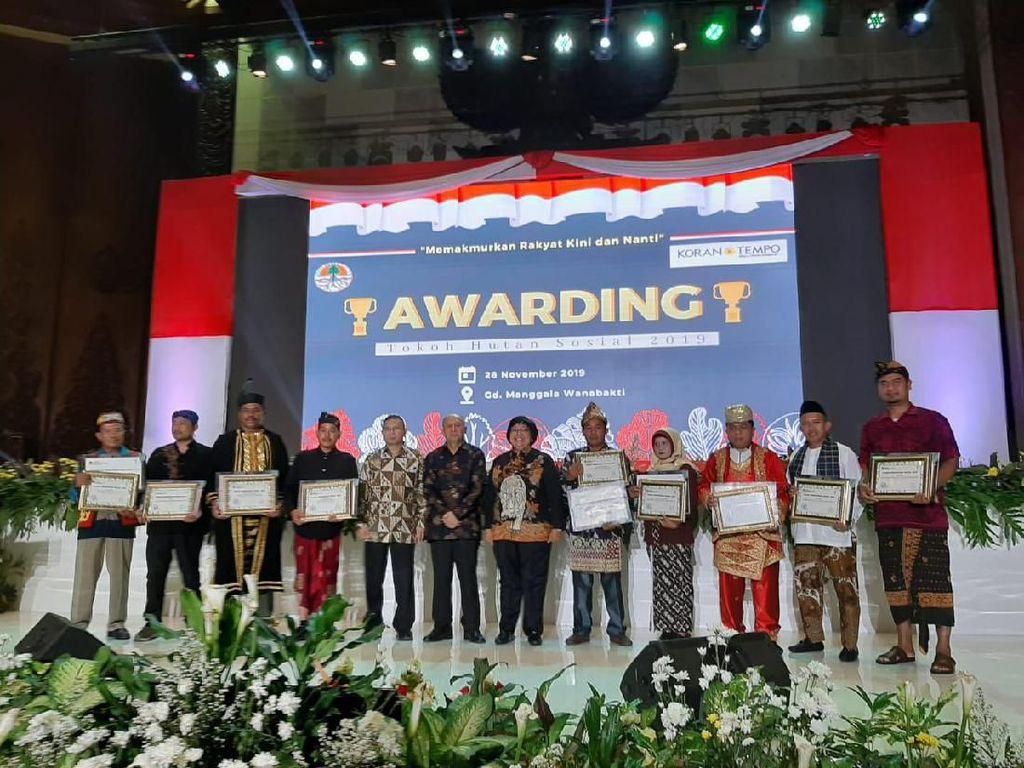 Beri Penghargaan ke 9 Tokoh, Menteri LHK Bicara Pentingnya Hutan Sosial