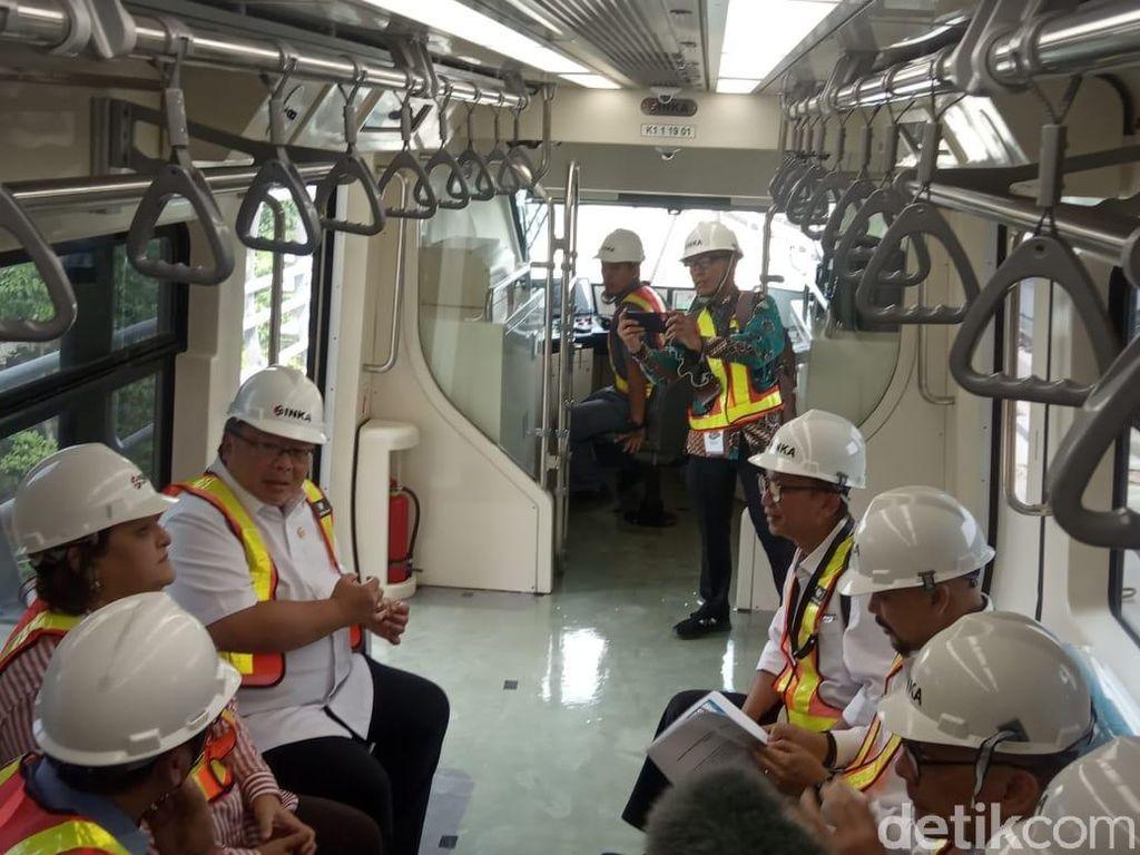 Jajal Kereta LRT Jabodebek, Menristek: Sangat Mulus Jalannya