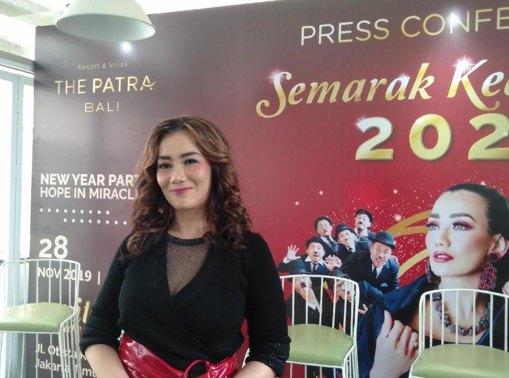 Reza Artemevia Ajak Rayakan Malam Tahun Baru di Bali