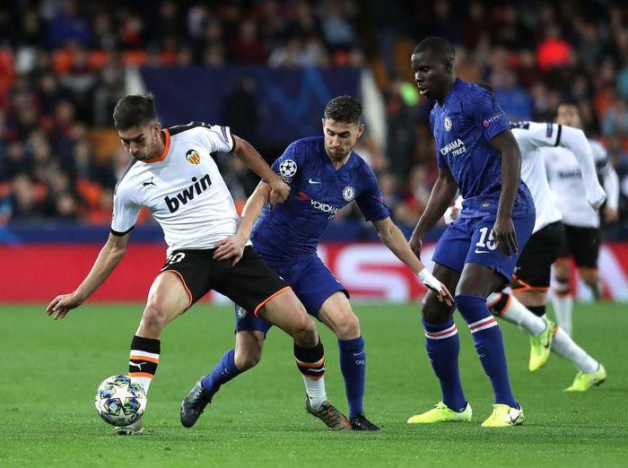 Valencia vs Chelsea berakhir 1-1 di babak pertama. (Foto: Gonzalo Arroyo Moreno/Getty Images)