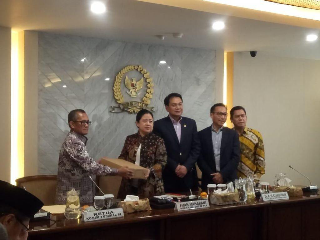 KY Ajukan 6 Calon Hakim Agung ke DPR, Ini Nama-namanya