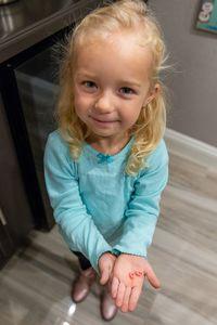 Syok! Rp37 Juta Habis Demi Keluarkan Sepatu Barbie dari Hidung Anak