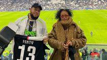Rihanna Bawa Tas Louis Vuitton Langka Saat Nonton Liga Champions