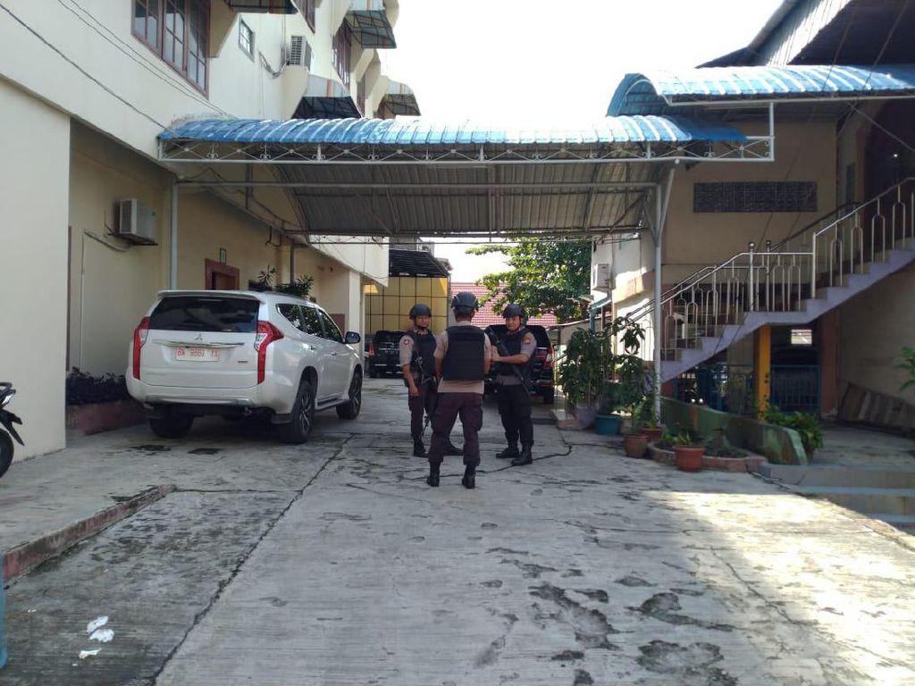 Geledah Rumah di Pekanbaru, KPK Disebut Sita Dokumen Proyek