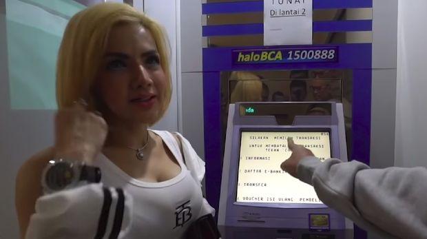 Barbie Kumalasari pamer saldo ATM