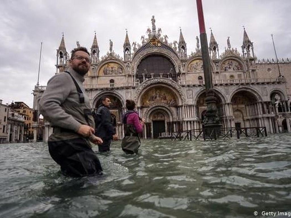 Desak Kebijakan Lebih Tegas, Parlemen Eropa Deklarasikan Darurat Iklim