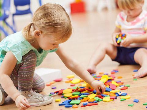 Daftar Mainan Anak Tepat Sesuai Usia, dari Bayi hingga TK