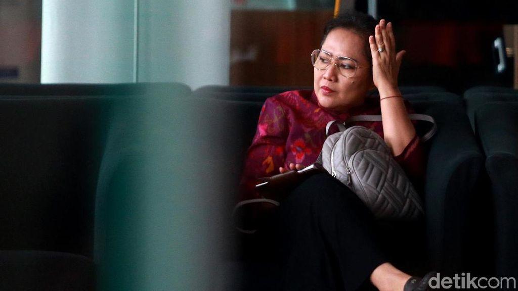 Istri Nyoman Diperiksa KPK soal Kasus Impor Bawang Putih